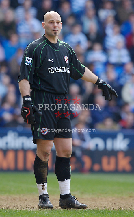 Reading, England - Saturday, April 7, 2007: Reading's goalkeeper Marcus Hahnemann in action against Liverpool during the Premier League match at the Madejski Stadium. (Pic by David Rawcliffe/Propaganda)