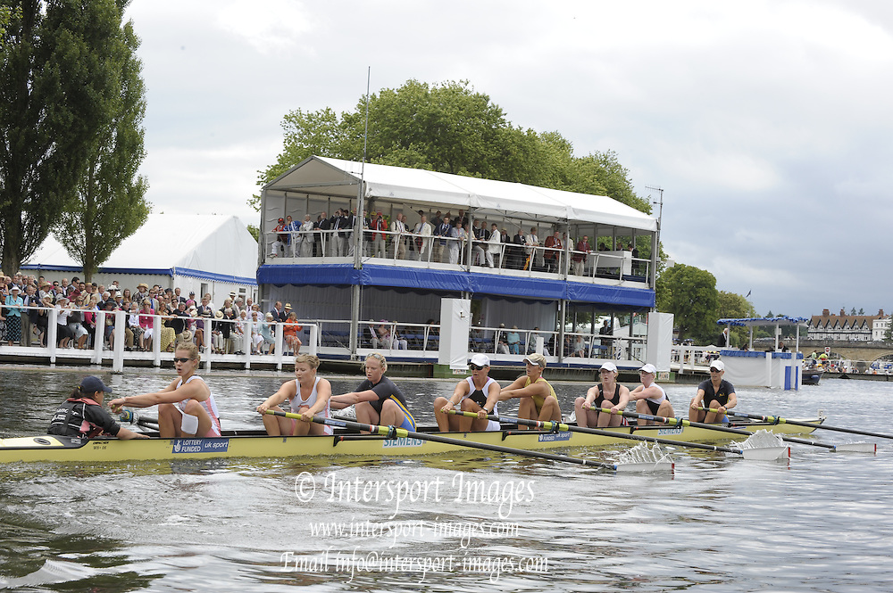Henley, Great Britain. Leander Club and Molesey BC, during the closing stages of the heat in the Remenham Challenge Plate. 2009 Henley Royal Regatta Friday 03/07/2009 at  [Mandatory Credit. Peter Spurrier/Intersport Images] . HRR.