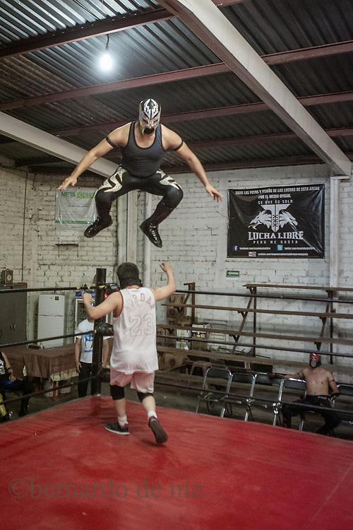 Mexican wrestlers students practicing in a local arena in Guadalajara, Jalisco, Mexico. Monday 2 of March, 2018. Photos by Bernardo De Niz