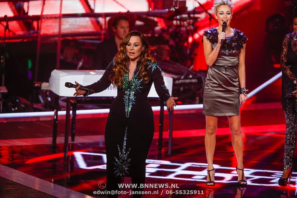 NLD/Hilversum/20121214 - Finale The Voice of Holland 2012, Trijntje Oosterhuis en Leona Phillipo