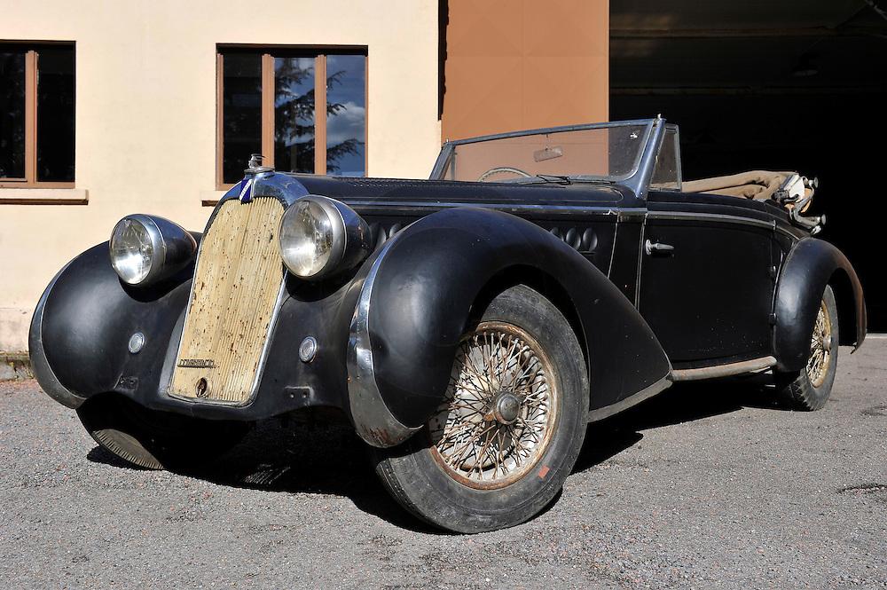 01/10/10 - LA CLAYETTE - SAONE ET LOIRE - FRANCE - Essais Cabriolet TALBOT T23 de 1939, premier exemplaire carrosse par CHAPRON - Photo Jerome CHABANNE