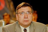 31 JAN 1998, GERMANY/DORTMUND:<br /> Bodo Champignon, SPD, Mitglied im SPD Landesvorstand Nordrhein-Westfalen, auf dem Landesparteitag der SPD NRW<br /> IMAGE: 19980131-01/02-28