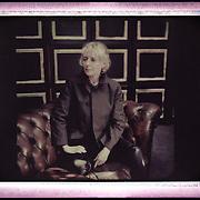 La réalisatrice Claire Denis pose, le 21 mai 2013, dans un appartement cannois, au cours du 66e festival du film de Cannes.