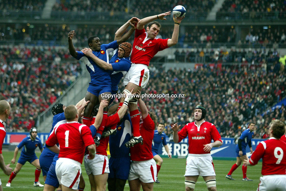 Robert SIDOLI - France / Galles - 26.02.2005 - Tournoi des VI Nations - Rugby - largeur action