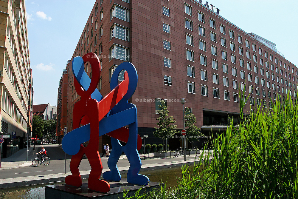 Berlino: a sculpure by Keith Haring in front of Hyatt Hotel near Potsdamer Platz