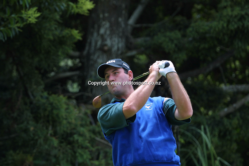 Peter Cliff (AUS) in action at the Telstra Saturn New Zealand Golf Open, 20 January, 2001 at The Grange, Papatoetoe. Photo:Dean Treml/PHOTOSPORT *** Local Caption ***