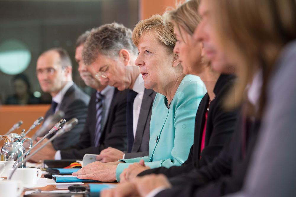 05 JUL 2017, BERLIN/GERMANY:<br /> Angela Merkel, CDU, Bundeskanzlerin, waehrend einem Treffen mit Xi J inping (nicht im Bild), Staatspraesident der Volksrepublik China, Kleiner Kabinettsaal, Bundeskanzleramt<br /> IMAGE: 20170705-01-012