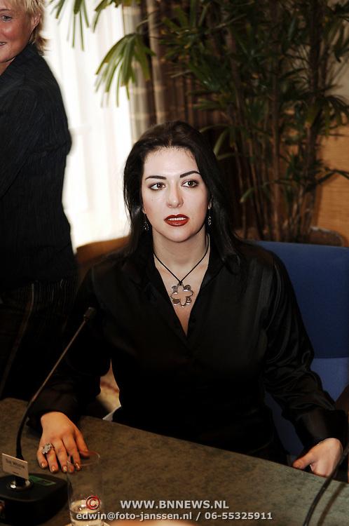 Persconferentie Luciano Pavarotti, Annalisa Raspagliosi