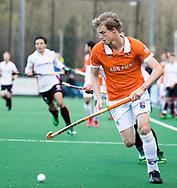 BLOEMENDAAL - Hockey - Bloemendaal-Oranje Rood 3-2. Tim Jenniskens (Bldaal).  COPYRIGHT KOEN SUYK