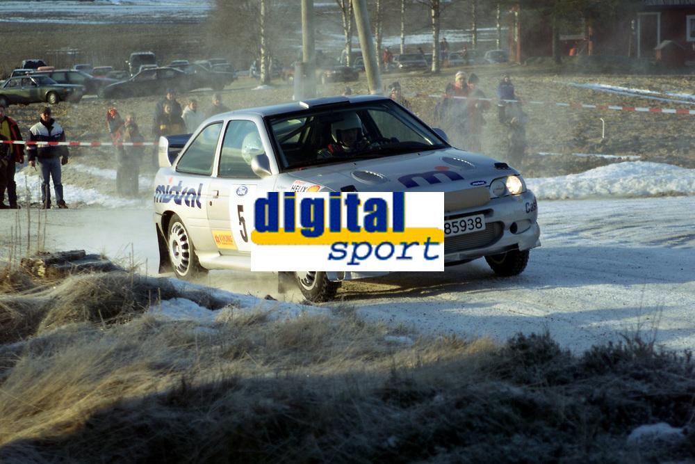 Motorsport, Rally Solør 2000. Valtert Chr. Jensen / Erik Pedersen endte opp med 2. plass totalt i NM-åpningen i Solør. Ford Escort WRC