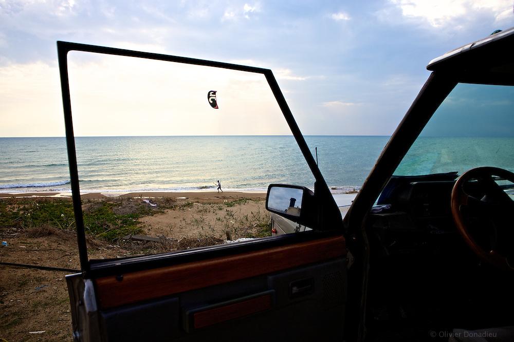 Kite-surfer, Sicile..