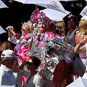 NLD/Amsterdam/20070804 - Gaypride Canalparade 2007, levend kunstwerk Fabiola