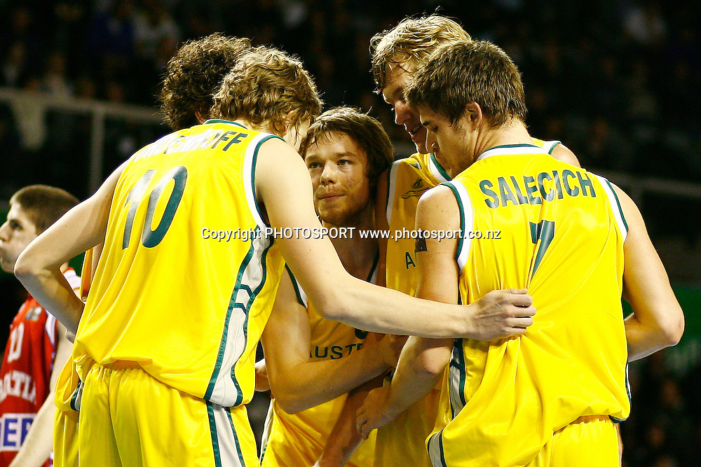 Australia's captain Matthew Dellavedova talks to his team. U19 Basketball World Championship, 3rd and 4th place game, Australia v Croatia, North Shore Events Centre, Auckland. 12 July 2009. Photo: Anthony Au-Yeung/PHOTOSPORT