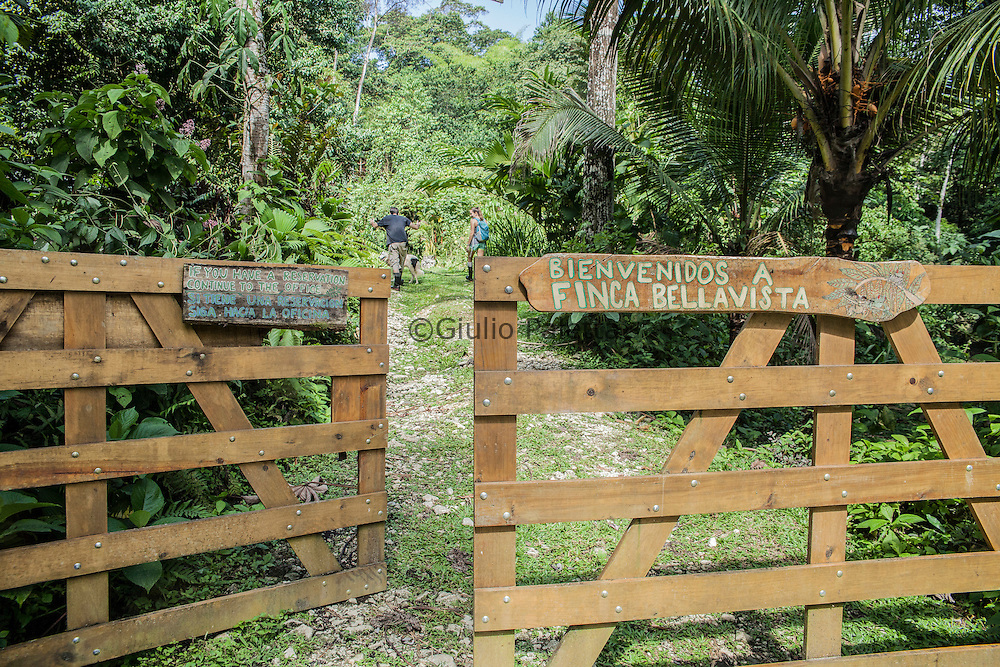 Main entrance and gate of access of Finca Bellavista