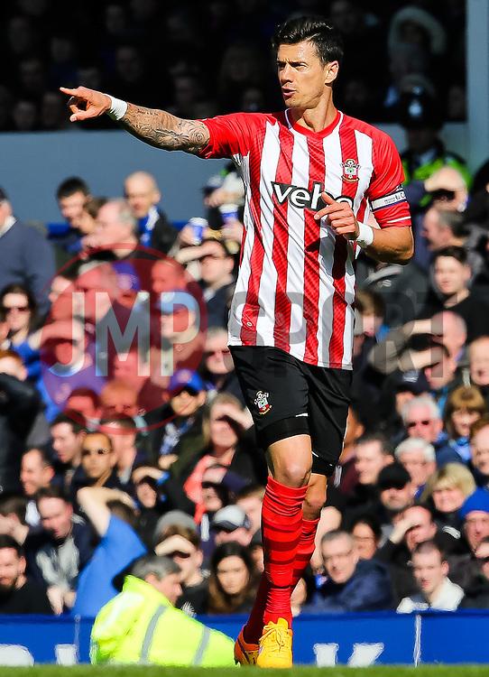 Southampton's Jose Fonte points - Photo mandatory by-line: Matt McNulty/JMP - Mobile: 07966 386802 - 04/04/2015 - SPORT - Football - Liverpool - Goodison Park - Everton v Southampton - Barclays Premier League
