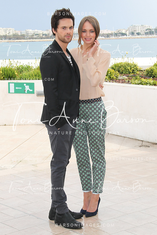 CANNES, FRANCE - APRIL 08:  Tom Riley and Laura Haddock attend photocall for the TV serie 'Da Vinci's Demons' at MIP TV 2013 on April 8, 2013 in Cannes, France.  (Photo by Tony Barson/Getty Images)