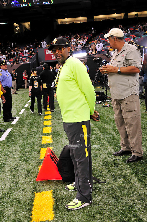 Filmmaker Spilke Lee and Retired General Honre, watches the New Orleans Saints warm up to play the Minnessota Vikings he came with Flim Maker Spike Lee. Le just did a documentary on Hurricane Katrina nnd General Honre lead the recovery efforts in New Orleans. headon the sideline, just prior to the kick off to the popening of the NFL season. The Saints beat the Minnessota Viking 14-9- in New Orleans at the Super dome Thursday Sept. 9 2010. Phot © Suzi Altman