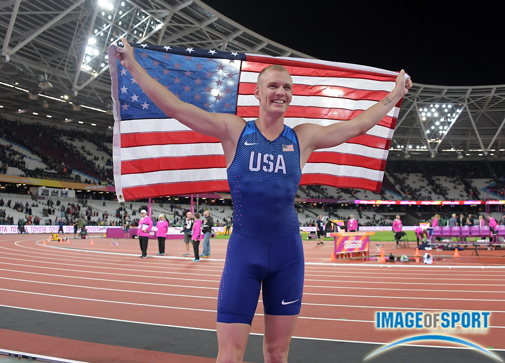 Aug 8, 2017; London, United Kingdom; Sam Kendricks (USA) takes victory lap with United States flag after winning the pole vault at 19-6 1/4 (5.95m) during the IAAF World Championships in Athletics at London Stadium at Queen Elizabeth Park.