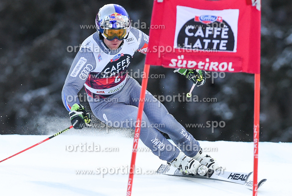 17.12.2017, Grand Risa, La Villa, ITA, FIS Weltcup Ski Alpin, Alta Badia, Riesenslalom, Herren, 1. Lauf, im Bild Alexis Pinturault (FRA) // Alexis Pinturault of France in action during his 1st run of men's Giant Slalom of FIS ski alpine world cup at the Grand Risa in La Villa, Italy on 2017/12/17. EXPA Pictures © 2017, PhotoCredit: EXPA/ Erich Spiess