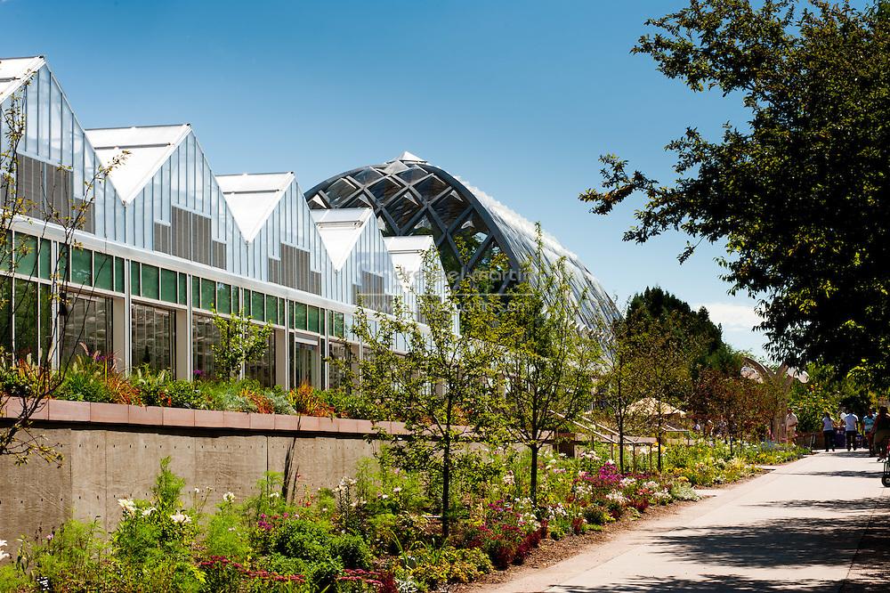 Greenhouse Comples & Garden