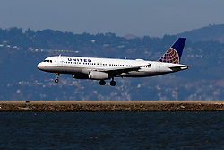 Airbus A320-232 (N495UA) operated by United Airlines landing at San Francisco International Airport (KSFO), San Francisco, California, United States of America