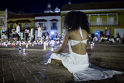 Teilnehmer einer Friedenskundgebung am Rande der Aufbauarbeiten für die Unterzeichnung des Friedensvertrages in Cartagena / 250916<br />