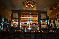 SoHo Grand Whiskey Bar in New York. <br /> <br /> (Photo by Robert Caplin)