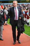 Picture by Paul Chesterton/Focus Images Ltd.  07904 640267.5/11/11.Aston Villa Manager Alex McLeish before the Barclays Premier League match at Villa Park stadium, Birmingham.