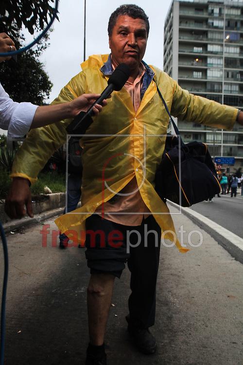 SÃO PAULO (SP), 12/01/2016 - Ato contra o aumento das tarifas de metrô, trem e ônibus termina em confronto da PM com os manifestantes. Diversas pessoas ficaram feridas. Foto: Paulo Iannone/FramePhoto