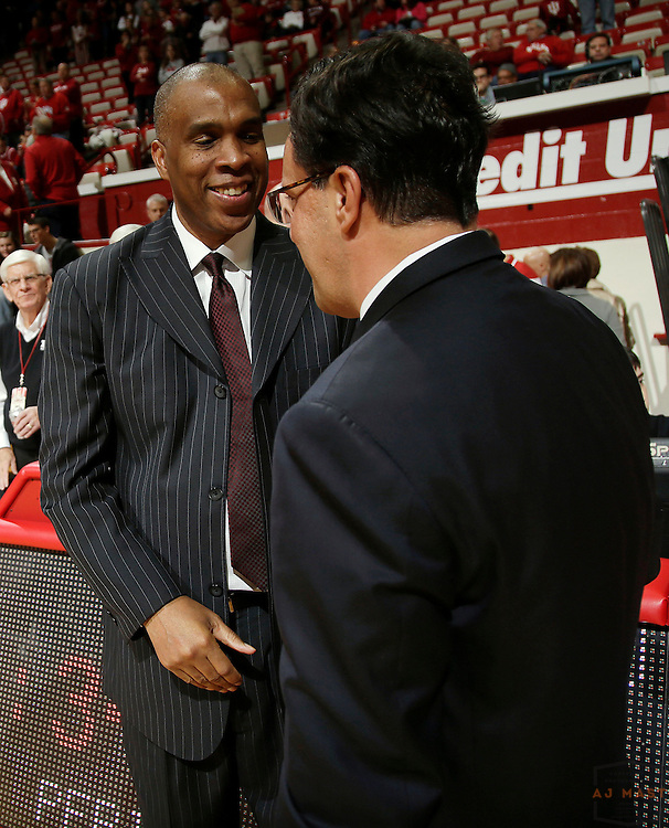 Texas Southern head coach Mike Davis, left, and Indiana head coach Tom Crean as Texas Southern University played Indiana in an NCCA college basketball game, Monday, Nov. 17, 2014 in Bloomington, Ind.. (AJ Mast /Photo)