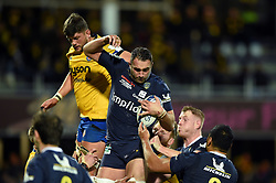 Alexandre Lapandry of Clermont Auvergne wins the ball at a lineout - Mandatory byline: Patrick Khachfe/JMP - 07966 386802 - 15/12/2019 - RUGBY UNION - Stade Marcel-Michelin - Clermont-Ferrand, France - Clermont Auvergne v Bath Rugby - Heineken Champions Cup
