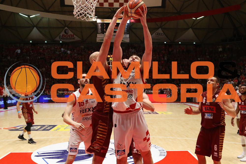 Nathan Boothe<br /> The Flexx Pistoia Umana Reyer Venezia<br /> Lega Basket Serie A 2016/2017<br /> Playoff Quarti di finale Gara 4<br /> Pistoia 19/05/2017<br /> Foto Ciamillo-Castoria
