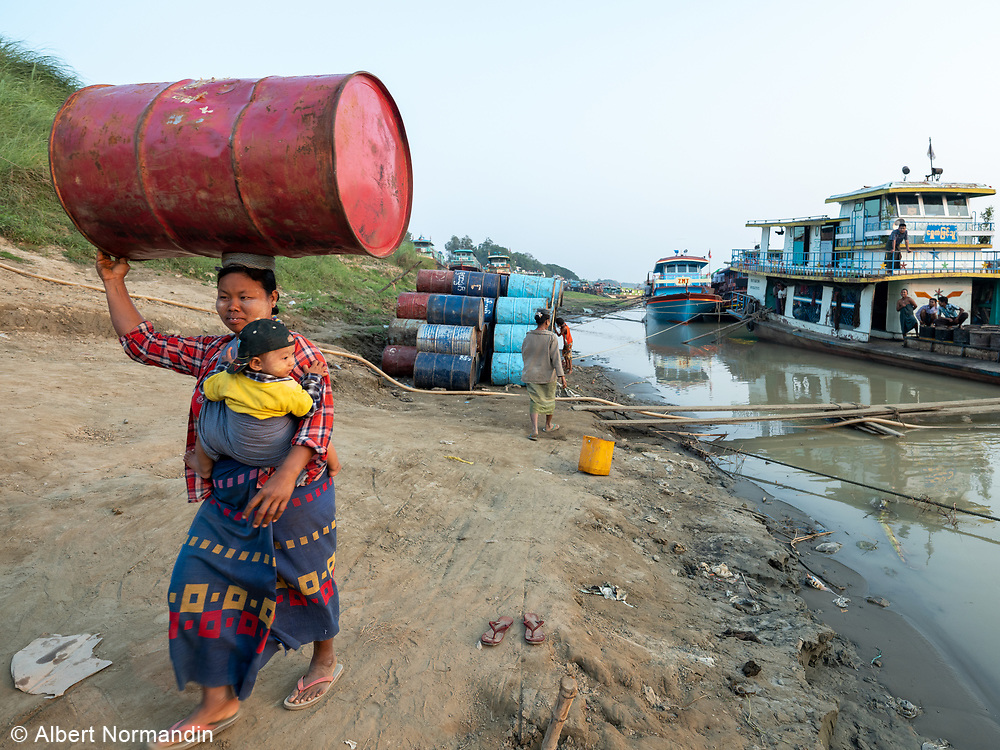 Workers on the Chindwin Jetty and Riverbank, Monywa, Myanmar