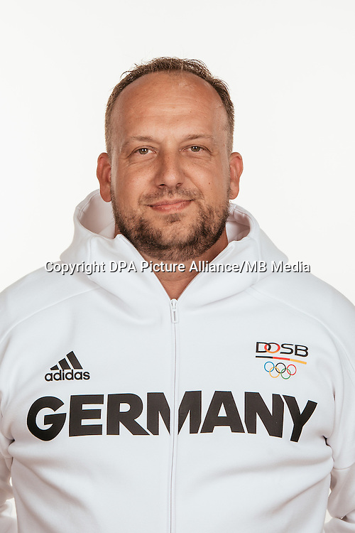 Florian Ludewig poses at a photocall during the preparations for the Olympic Games in Rio at the Emmich Cambrai Barracks in Hanover, Germany, taken on 20/07/16   usage worldwide