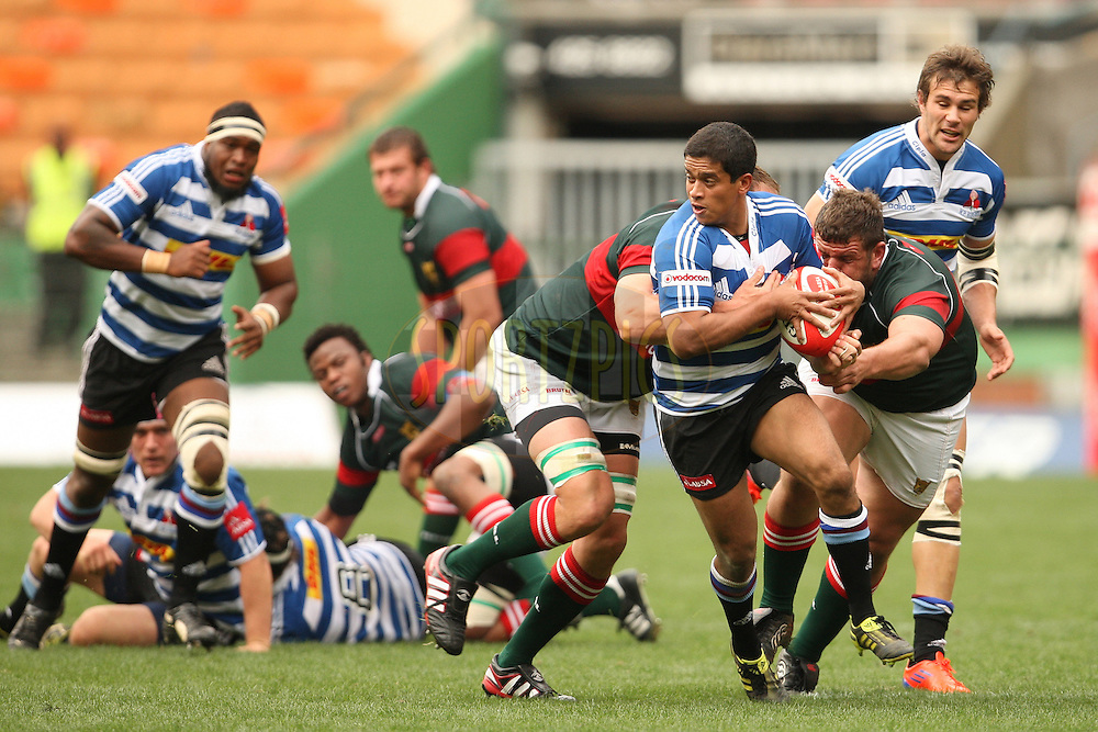 Isma-eel Dollie of DHL WP tries to take a gap in the defense during the Absa Currie Cup fixture between DHL Western Province and the Leopards played at DHL Newlands in Cape Town, South Africa on 10 September 2011. Photo by Jacques Rossouw/SPORTZPICS