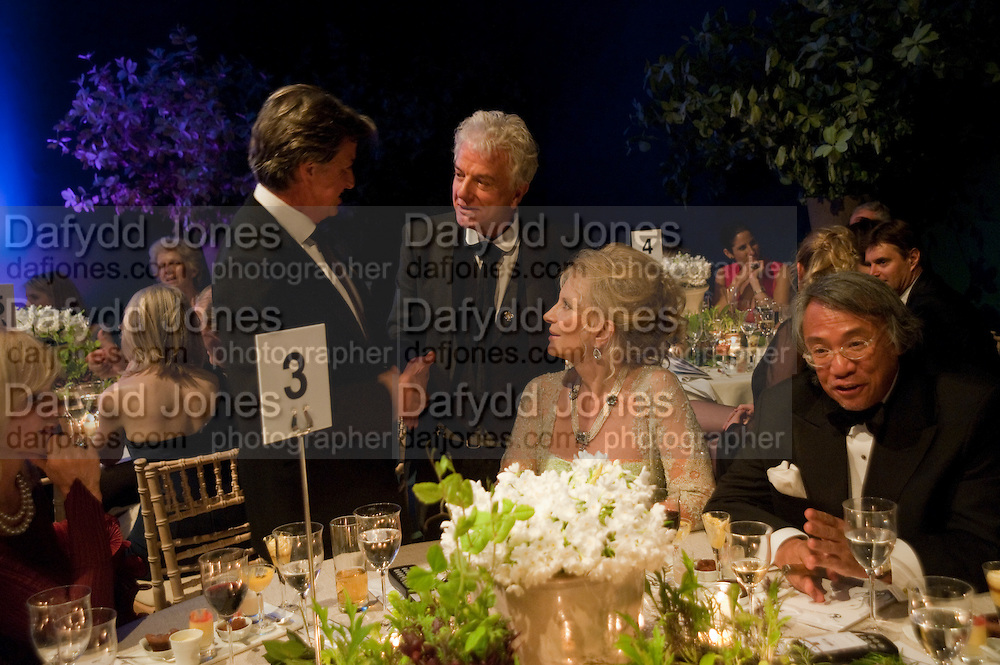 RICHARD CARING; NICKY HASLAM; PRINCESS MICHAEL OF KENT; SIR DAVID TANG, The Ormeley dinner in aid of the Ecology Trust and the Aspinall Foundation. Ormeley Lodge. Richmond. London. 29 April 2009