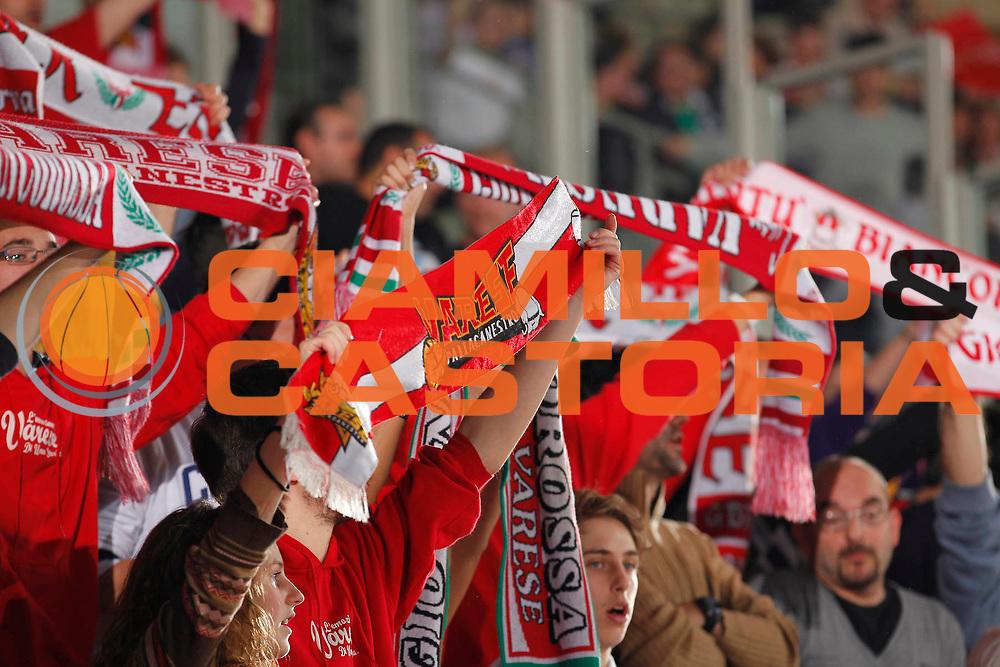DESCRIZIONE : Varese Campionato Lega A 2011-12 Cimberio Varese Umana Reyer Venezia<br /> GIOCATORE : Tifosi Cimberio Varese<br /> CATEGORIA : Ritratto<br /> SQUADRA : Cimberio Varese<br /> EVENTO : Campionato Lega A 2011-2012<br /> GARA : Cimberio Varese Umana Reyer Venezia<br /> DATA : 26/11/2011<br /> SPORT : Pallacanestro<br /> AUTORE : Agenzia Ciamillo-Castoria/G.Cottini<br /> Galleria : Lega Basket A 2011-2012<br /> Fotonotizia : Varese Campionato Lega A 2011-12 Cimberio Varese Umana Reyer Venezia<br /> Predefinita :