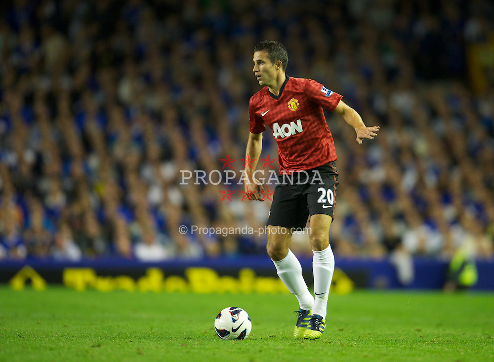 LIVERPOOL, ENGLAND - Monday, August 20, 2012: Manchester United's Robin van Persie in action against Everton during the Premiership match at Goodison Park. (Pic by David Rawcliffe/Propaganda)