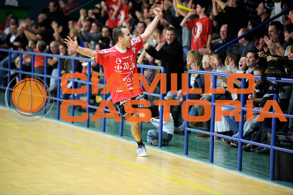 DESCRIZIONE : France Hand Homme Nationale 1 a Chartres <br /> GIOCATORE : KARSENTY Thibault<br /> SQUADRA : Chartres<br /> EVENTO : FRANCE Nationale 1 Chartres Cherbourg 2010-2011<br /> GARA : Chartres Cherbourg<br /> DATA : 20/11/2010<br /> CATEGORIA : Hand  Homme Nationale 1<br /> SPORT : Handball<br /> AUTORE : JF Molliere par Agenzia Ciamillo-Castoria <br /> Galleria : France Hand 2010-2011 Action<br /> Fotonotizia : FRANCE Hand Homme Nationale 1 <br /> Predefinita :