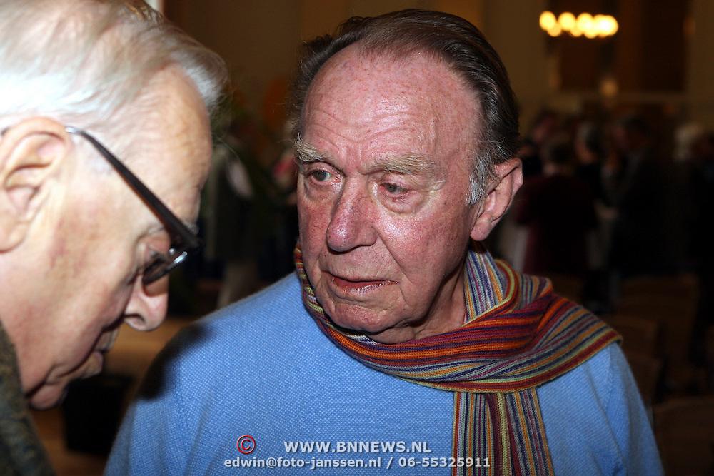 NLD/Amsterdam/20070912 - Presentatie DVD Bert Haanstra compleet aan Kees Brusse