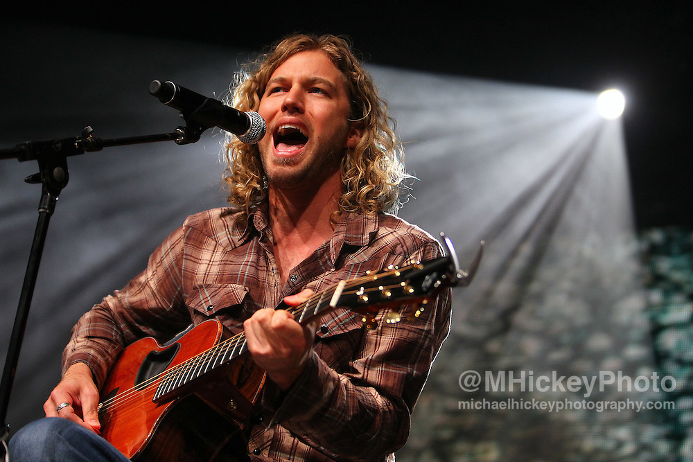 Casey James performs at the Best Buy Country Music Expo at the Indiana State Fairgrounds in Indianapolis, Indiana. Indianapolis, Indiana concert photography by Michael Hickey.