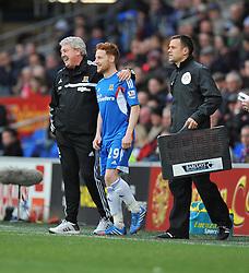 Hull City Manager,Steve Bruce shares a joke with Hull City's Stephen Quinn - Photo mandatory by-line: Alex James/JMP - Tel: Mobile: 07966 386802 22/02/2014 - SPORT - FOOTBALL - Cardiff - Cardiff City Stadium - Cardiff City v Hull City - Barclays Premier League