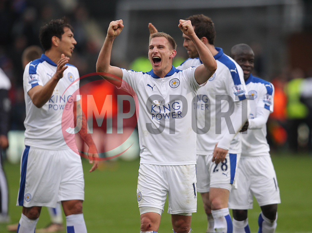 Marc Albrighton of Leicester City celebrates after their side win the match 1-0 - Mandatory byline: Paul Terry/JMP - 19/03/2016 - FOOTBALL - Selhurst Park - London, England - Crystal Palace v Leicester City - Barclays Premier League