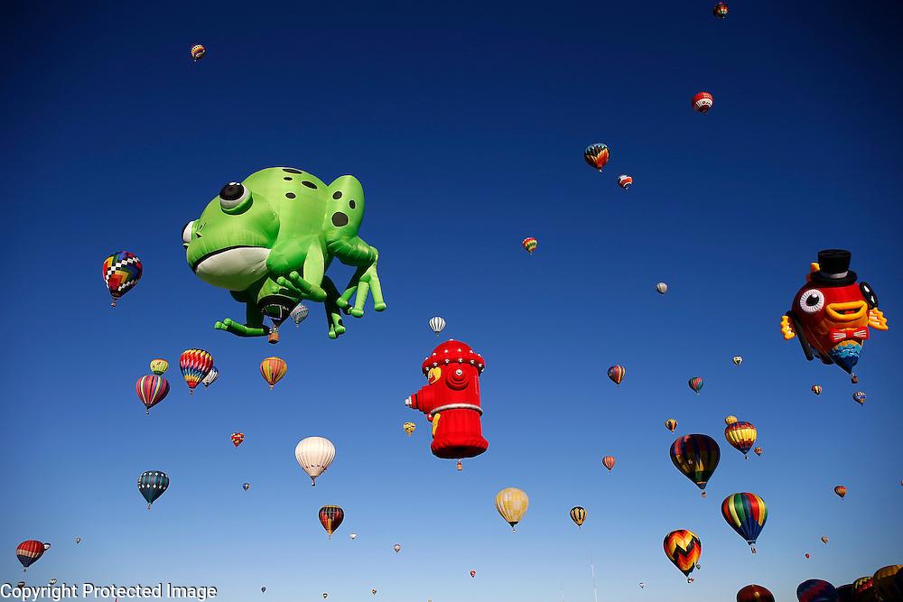 2010.10.01 Balloon Fiesta ; Albuquerque International Balloon Fiesta. Jeff Swinger/Swingman Photo