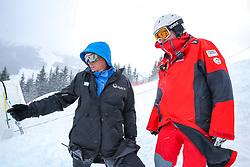 14.02.2020, Zwölferkogel, Saalbach Hinterglemm, AUT, FIS Weltcup Ski Alpin, Super G, Herren, im Bild v.l. Markus Waldner (FIS Chef Renndirektor Weltcup Ski Alpin Herren), Andreas Puelacher (Sportlicher Leiter ÖSV Ski Alpin Herren) // e.l. Markus Waldner Chief Race Director World Cup Ski Alpin Men of FIS Andreas Puelacher Austrian Ski Association head Coach alpine Men's before the men's SuperG of FIS Ski Alpine World Cup at the Zwölferkogel in Saalbach Hinterglemm, Austria on 2020/02/14. EXPA Pictures © 2020, PhotoCredit: EXPA/ Johann Groder