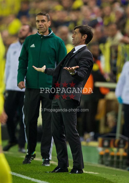 VILLRREAL, SPAIN - Thursday, April 28, 2016: Villarreal CF's head coach Marcelino during the UEFA Europa League Semi-Final 1st Leg match at Estadio El Madrigal. (Pic by David Rawcliffe/Propaganda)