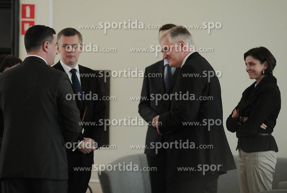 22.11.2011, Kanzleramt, Warschau, POL, erste Sitzung der neuen Regierung von Donald Tusk, im Bild TOMASZ SIEMONIAK, JAROSLAW GOWIN, JOANNA MUCHA // during the first meeting of the new Government Prime Minister Donald at the Chancellery in Warsaw, POL on 22.11.2011. EXPA Pictures © 2011, PhotoCredit: EXPA/ Newspix/ Damian Burzykowski..***** ATTENTION - for AUT, SLO, CRO, SRB, SUI and SWE only *****