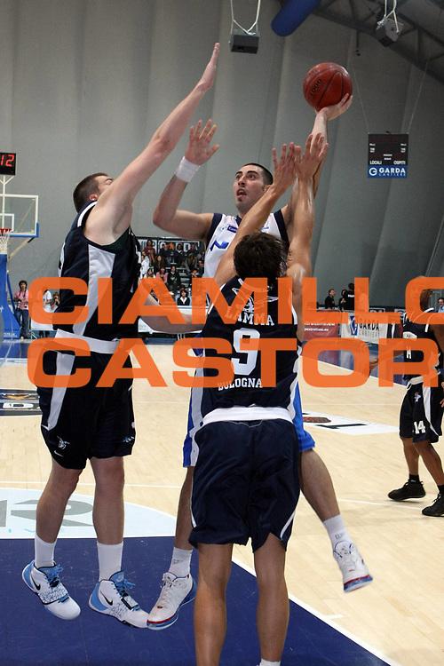 DESCRIZIONE : Riva Del Garda  Lega A1 2008-09 Amichevole  Upim Fortitudo Bologna Pallacanestro Cantu<br /> GIOCATORE : Joel Zacchetti<br /> SQUADRA :  Pallacanestro Cantu<br /> EVENTO : Campionato Lega A1 2008-2009 <br /> GARA : Upim Fortitudo Bologna Pallacanestro Cantu<br /> DATA : 14/09/2008 <br /> CATEGORIA : Tiro<br /> SPORT : Pallacanestro <br /> AUTORE : Agenzia Ciamillo-Castoria/G. Ciamillo<br /> Galleria : Lega Basket A1 2008-2009 <br /> Fotonotizia : Riva Del Garda Lega A1 2008-09 Amichevole Upim Fortitudo Bologna Pallacanestro Cantu <br /> Predefinita :