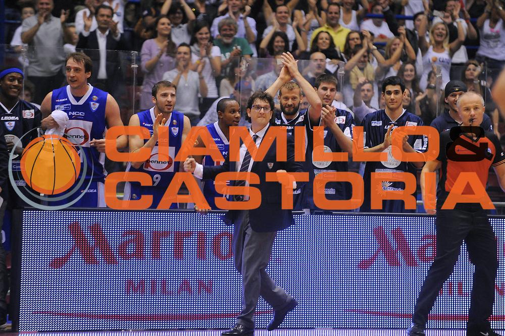 DESCRIZIONE : Milano Lega A 2010-11Semifinale Play off Gara 4 Armani Jeans Milano Bennet Cantu<br /> GIOCATORE : Coach Andrea Trinchieri panchina Cantu<br /> SQUADRA : Bennet Cantu<br /> EVENTO : Campionato Lega A 2010-2011<br /> GARA : Armani Jeans Milano Bennet Cantu<br /> DATA : 05/06/2011<br /> CATEGORIA : Ritratto Esultanza<br /> SPORT : Pallacanestro<br /> AUTORE : Agenzia Ciamillo-Castoria/A.Dealberto<br /> Galleria : Lega Basket A 2010-2011<br /> Fotonotizia : Milano Lega A 2010-11 Semifinale Play off Gara 4 Armani Jeans Milano Bennet Cantu<br /> Predefinita :