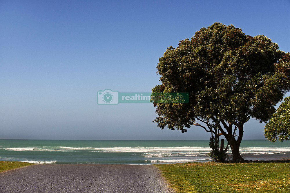September 30, 2018 - South Africa - Road without end, end of the way, Cape Agulhas, Western Cape, South Africa (Credit Image: © Sergi Reboredo/ZUMA Wire)